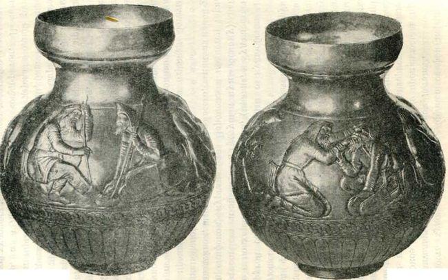 Электровый сосуд из кургана Куль-оба. IV в. до н. э. (Эрмитаж).