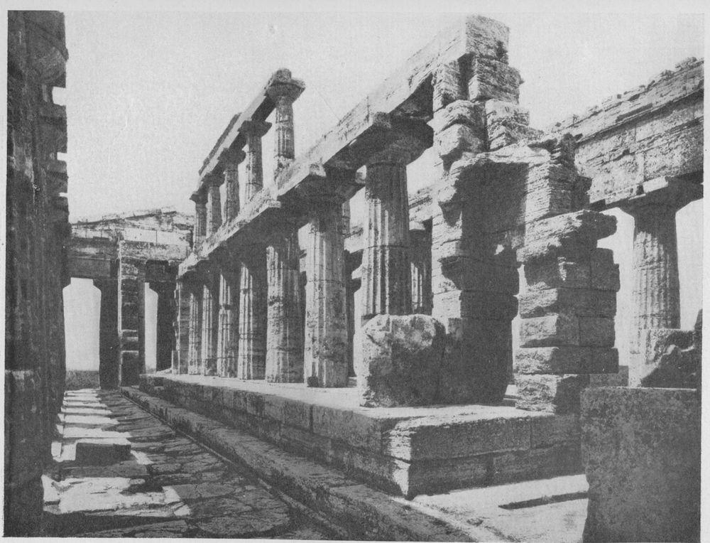 Храм посейдона в пестуме внутренний